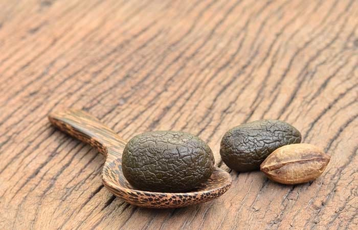 Health Benefits of Triphala Churna & Its Ingredient Baheda